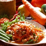 Papaya-Salad-Thai-food-610x456.jpg